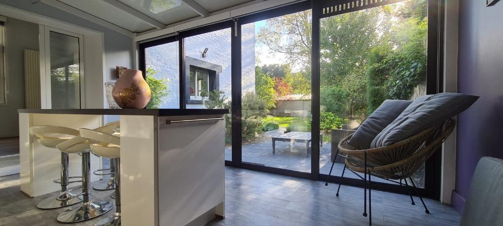 Secteur prisé, magnifique maison ancienne, jardin, garage