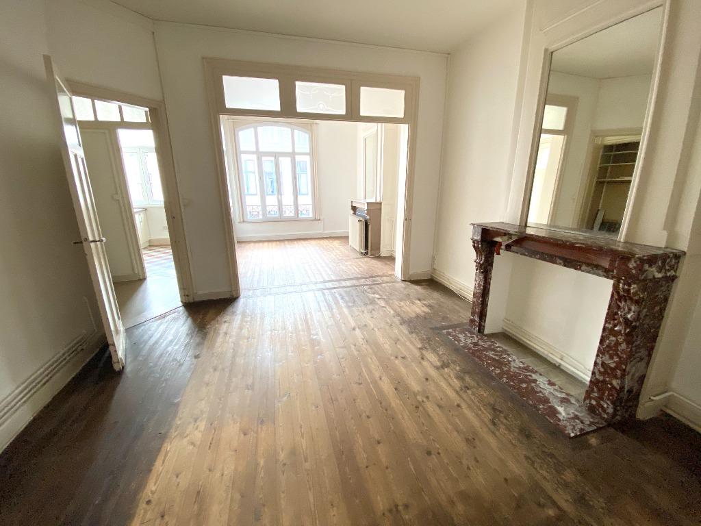 Vente appartement 59000 Lille - EXCLUSIVITE - Beau T3 au cachet préservé