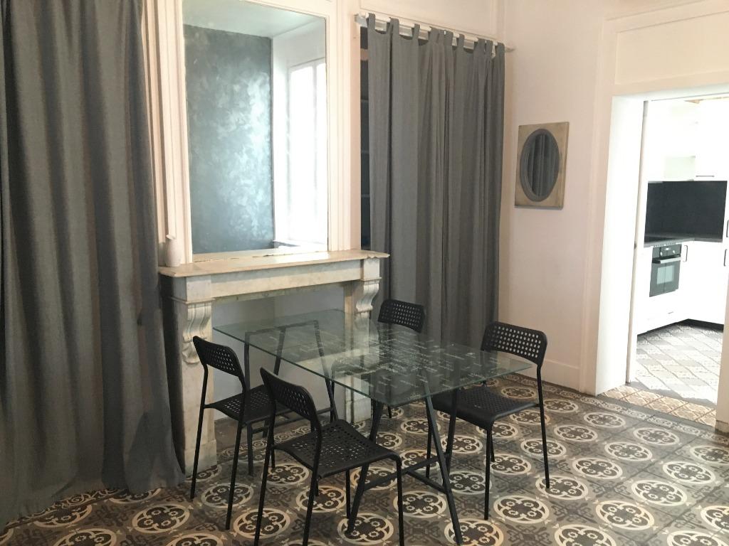 Location appartement 59000 Lille - Superbe T3 meublée avec cour