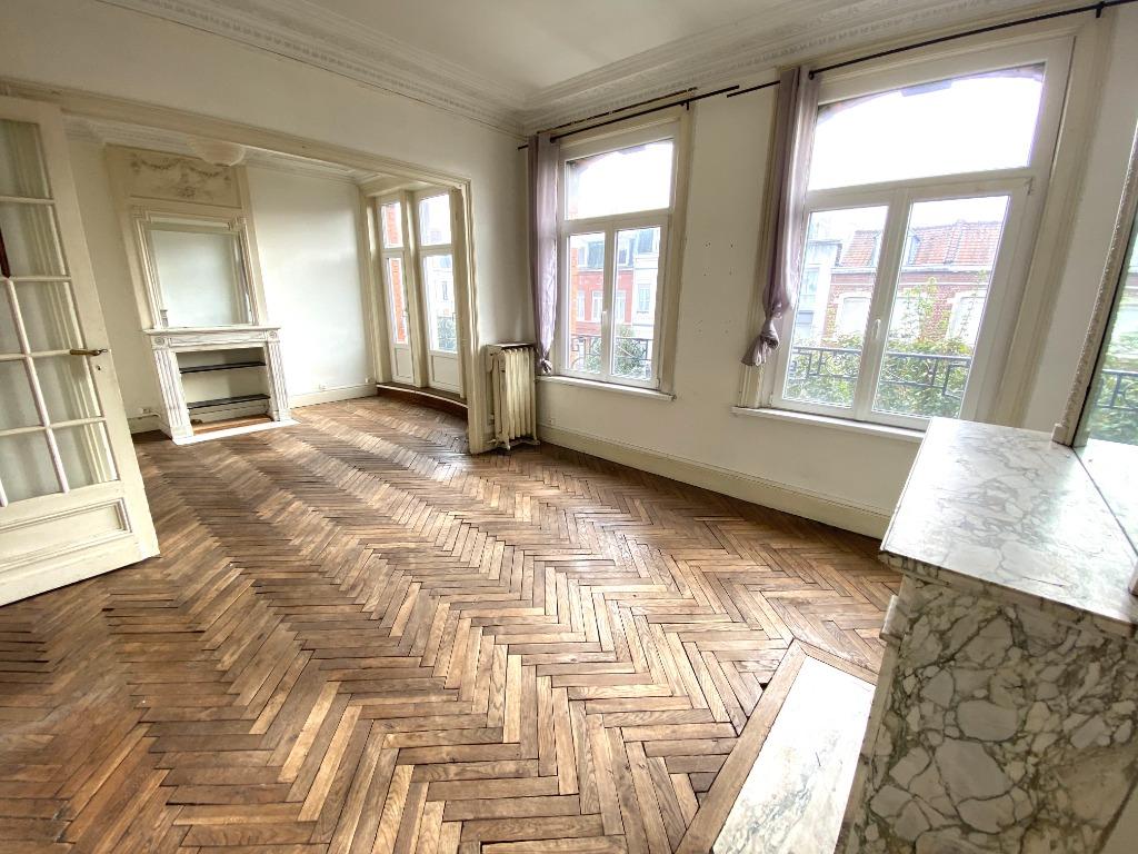 Vente appartement 59000 Lille - EXCLUSIVITE - Charme et cachet pour ce T4 à rénover