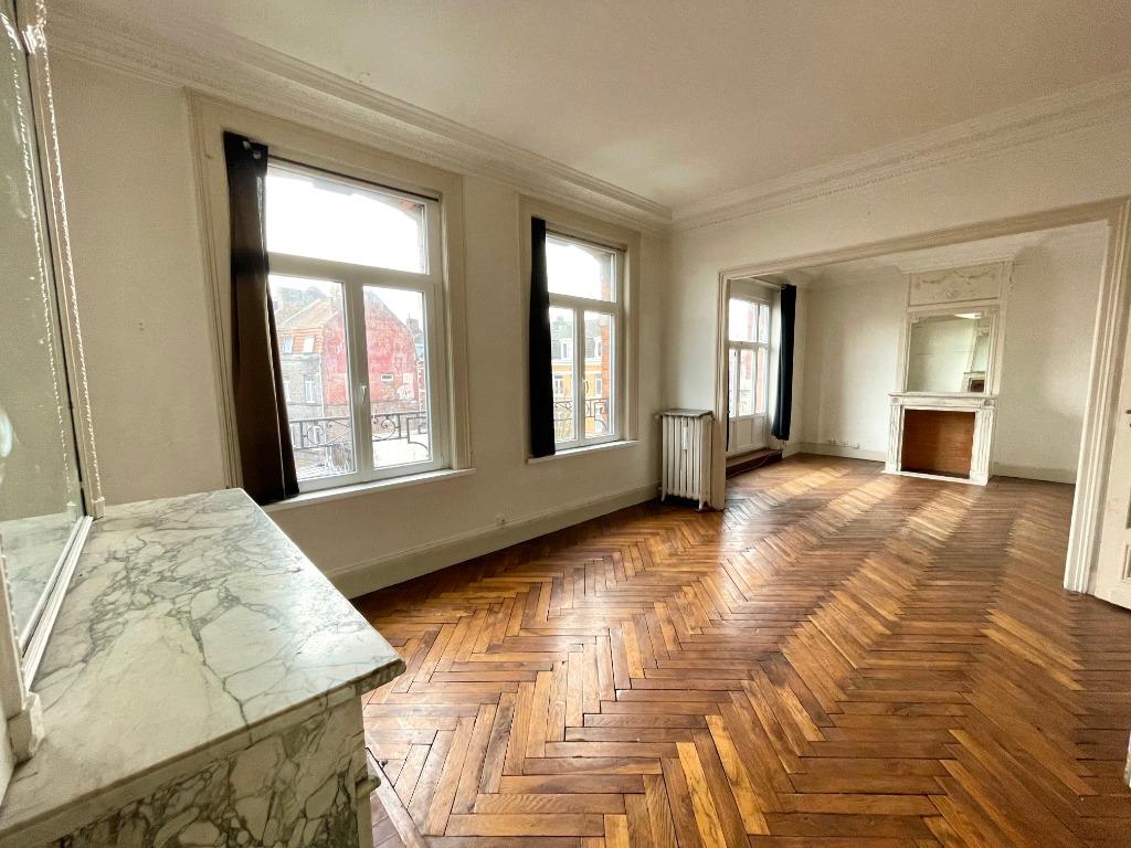 Vente appartement 59000 Lille - EXCLUSIVITE - Superbe T3 avec charme et cachet à rénover
