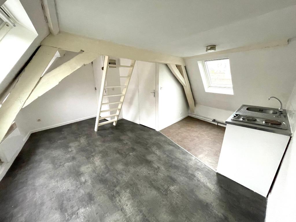 Vente appartement 59000 Lille - Studio dernier étage Sainte Catherine