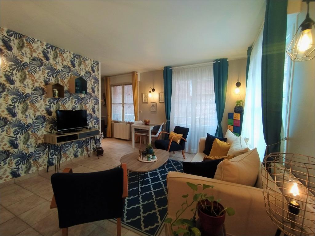 Location appartement - Vieux Lille, magnifique T1 bis meublé