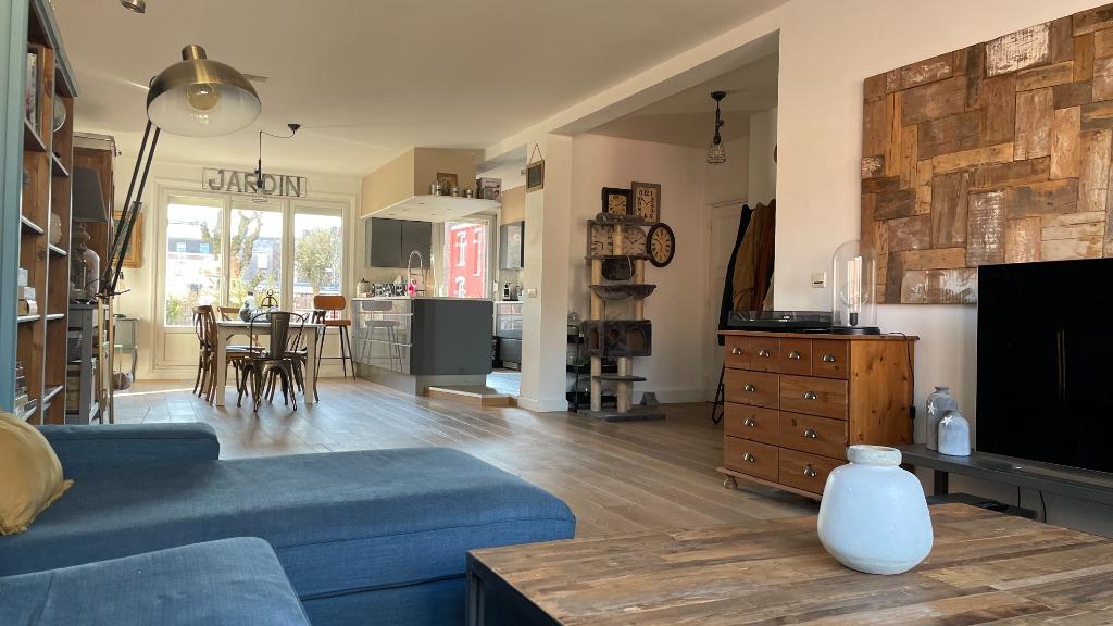 Vente appartement 59000 Lille - Appartement 4 chambres -Terrasse - secteur