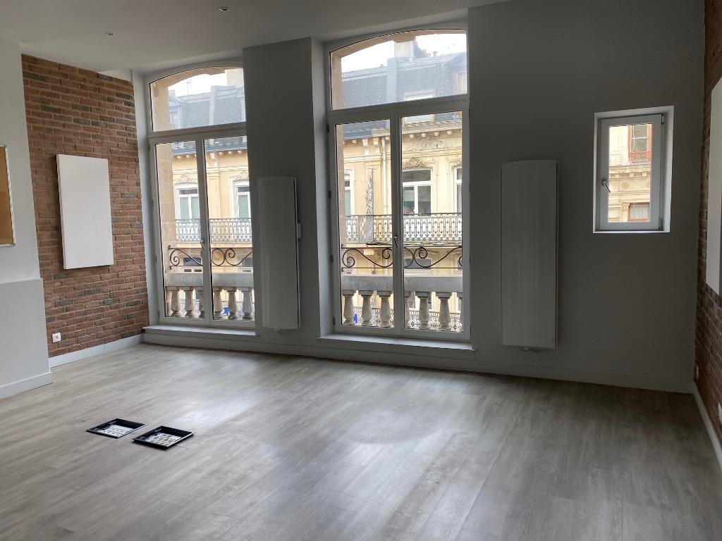 Vente appartement - LILLE HYPER CENTRE / APPARTEMENT-BUREAUX 103m²