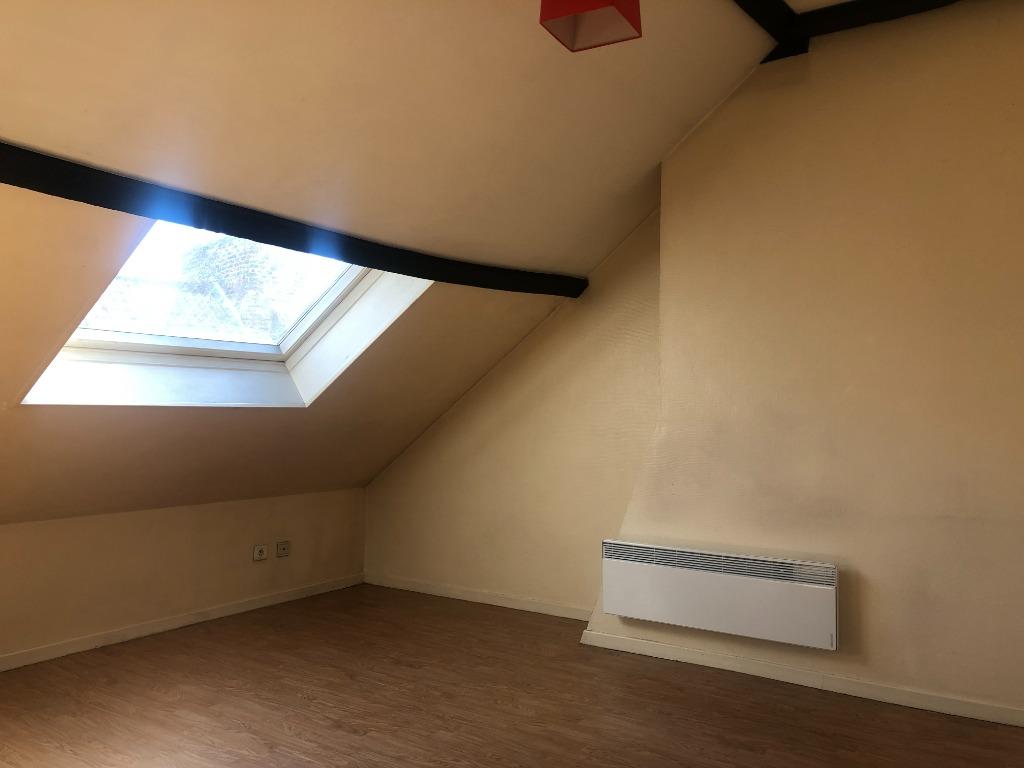 Location appartement 59000 Lille - Studio dernier étage secteur prisé du Vieux Lille