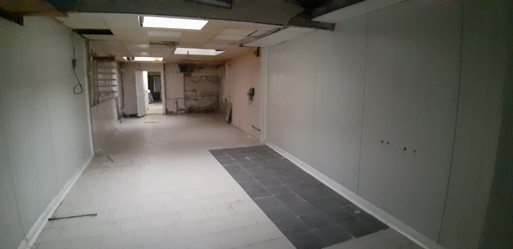 EXCLUSIVITE:IMMEUBLE 200M²AVEC LOCAL CIAL+ COUR . A 3MN CHR.