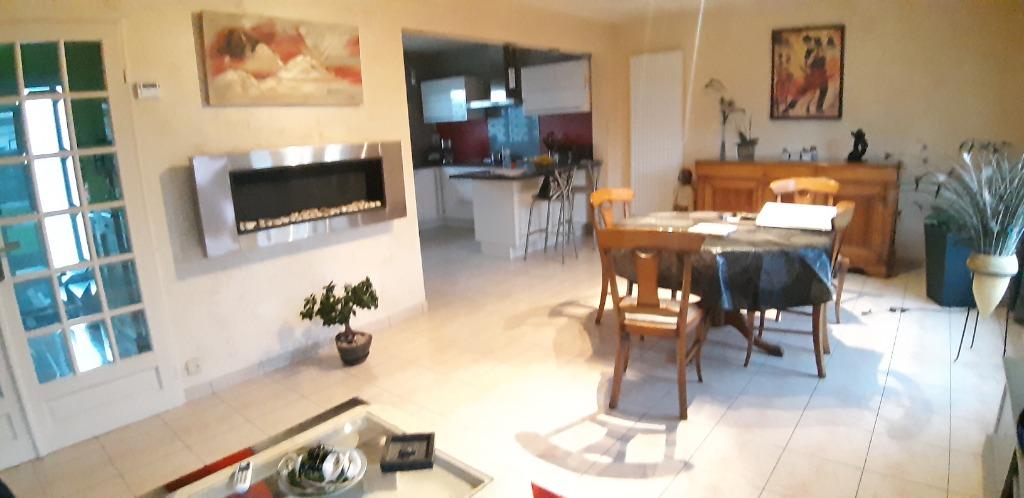 Vente maison 59160 Capinghem - CAPINGHEM lim LOMME A 2 PAS TTES COMMODITES belle maison T4
