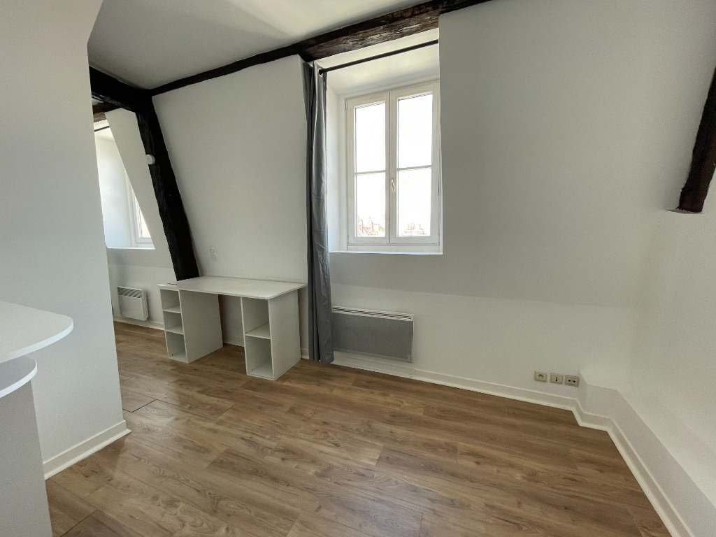 Joli studio non meublé - A deux pas de la Grand Place