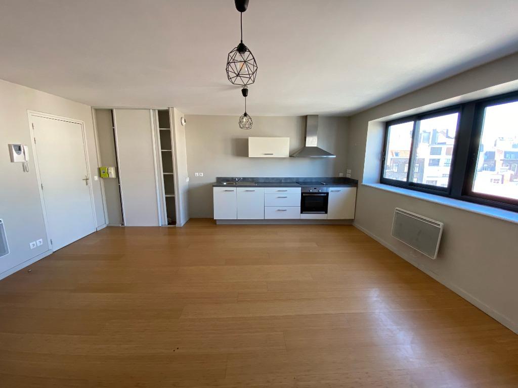 Vente appartement 59000 Lille - Duplex Place Sébastopol Lille avec parking