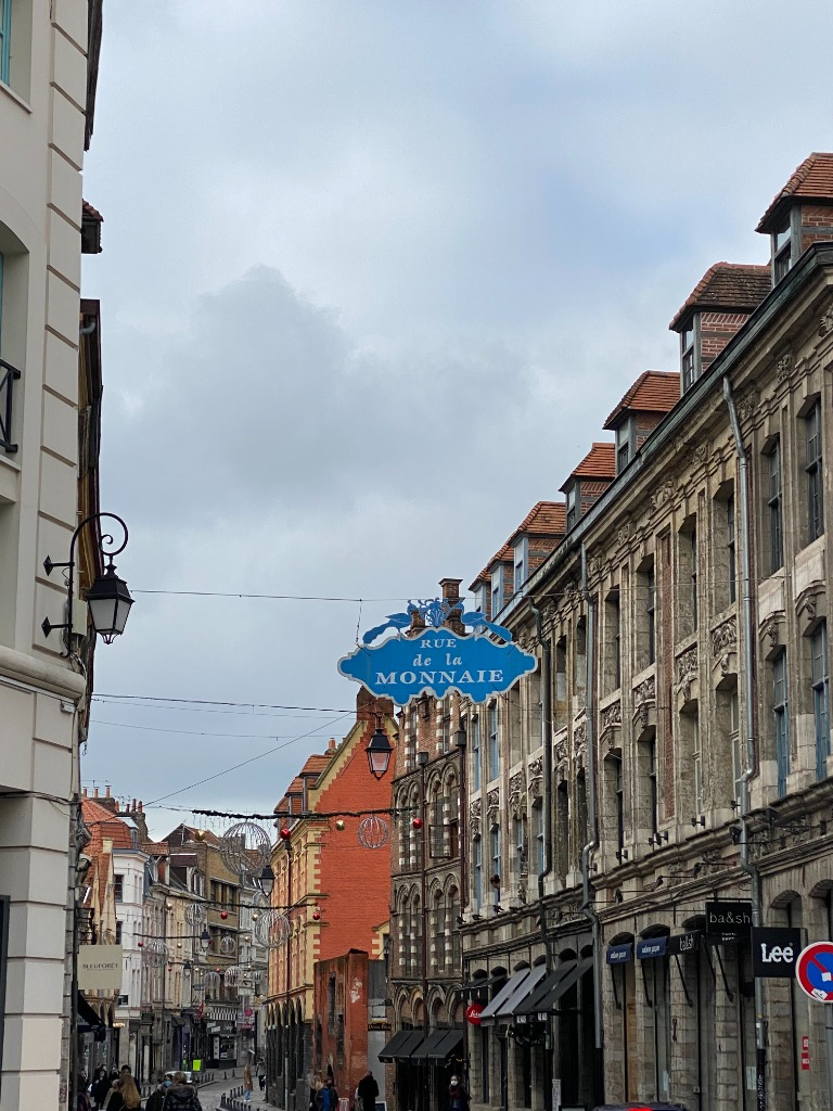 Vieux Lille, rue de la Monnaie , T2 d'environ 35 m2