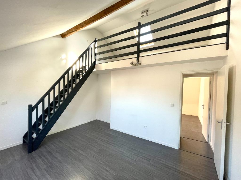 Maison 1930 - 105 m2 rénovée 4 chambres + Cour