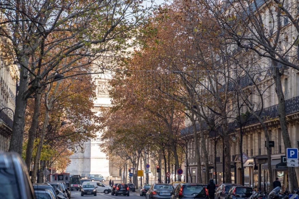 Paris 16 - Place de l'étoile - 2 pièces avec patio