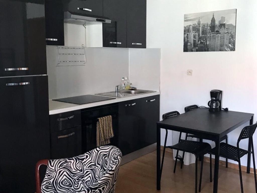 LILLE - Colocation 6 logements vendue louée et meublée