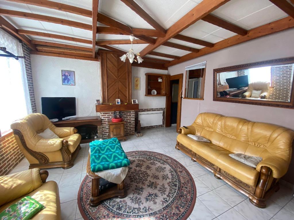 PROVIN- Maison 74m²- Chambres- Cave-JARDIN