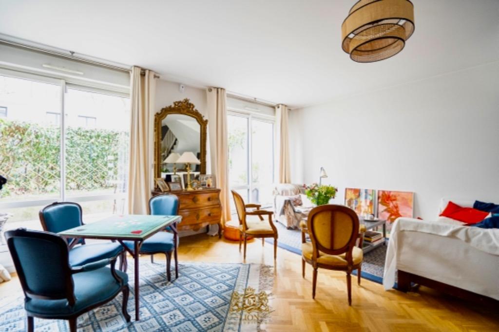 Vente appartement - Colombes - Centre ville - Triplex 5 chambres avec Terrasse