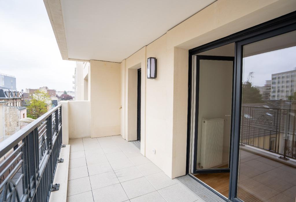 Saint-Ouen - Mairie - 4 pièces avec terrasse et parking