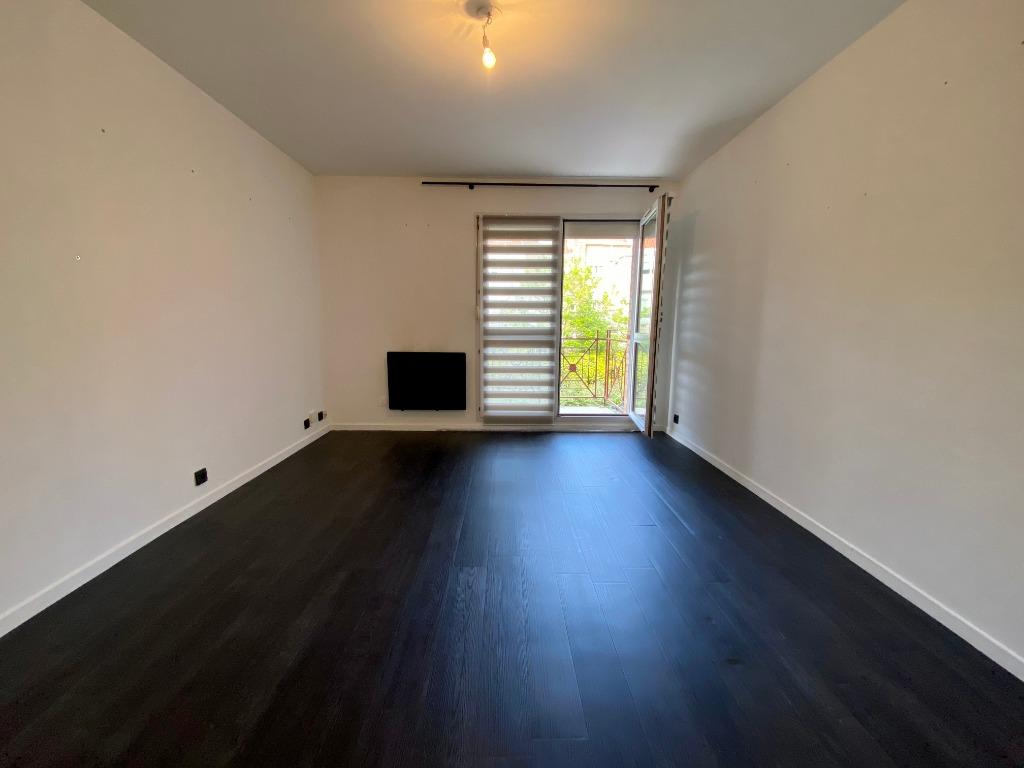 Vente appartement 59000 Lille - Studio avec balcon et parking
