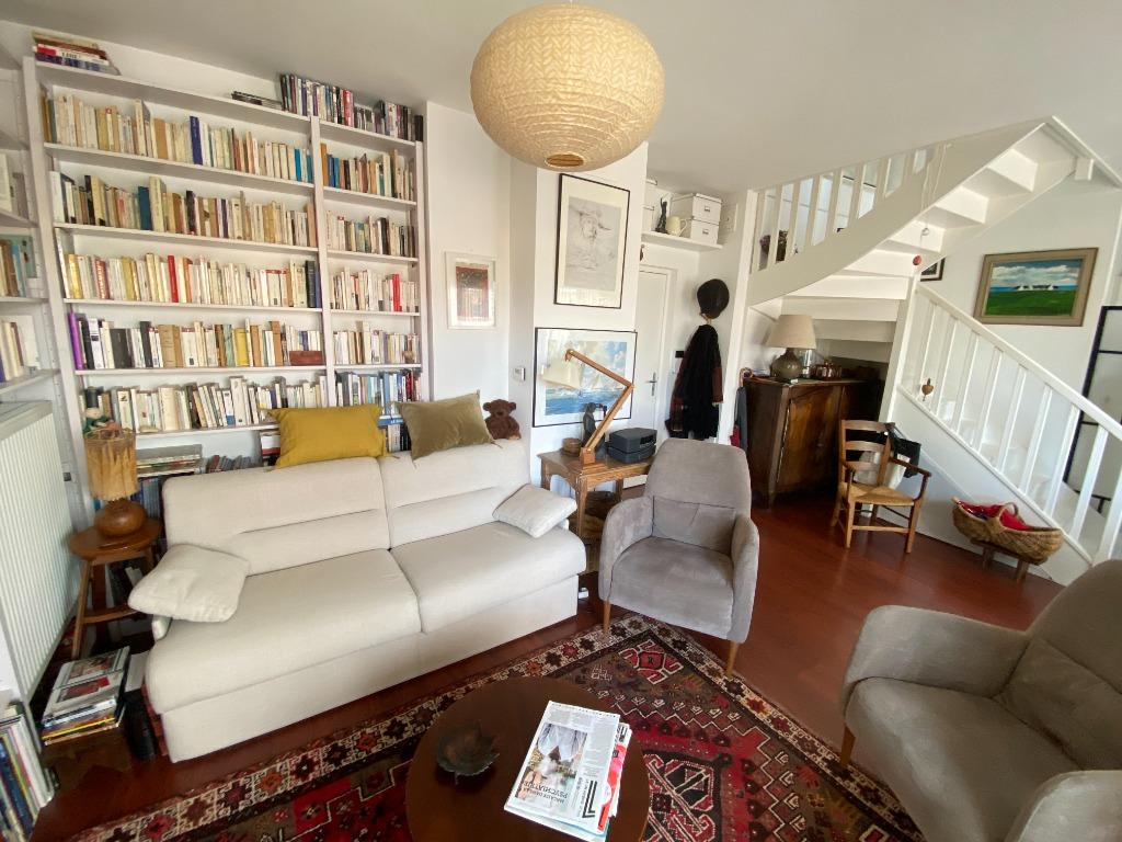 Vente appartement - Vieux Lille, T2 environ 60 m2, balcon et garage