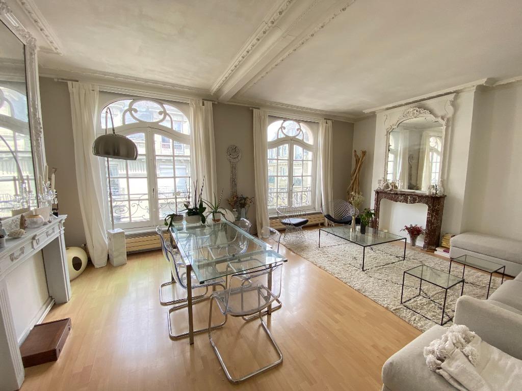 Vente appartement - Lille hyper centre, haussmannien 2 chambres, parking