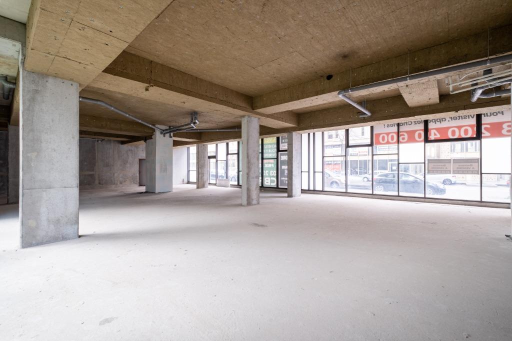 Local commercial Lille 313 m² + 2 places parking