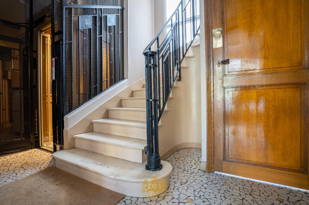 Courbevoie - Bécon - 2 pièces dans immeuble des années 30
