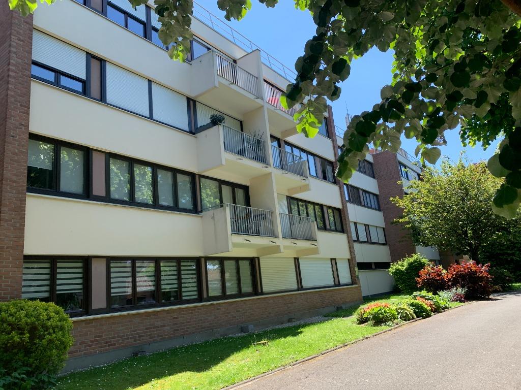 Vente appartement - Mairie, beau type 2 vendu loué parking cave