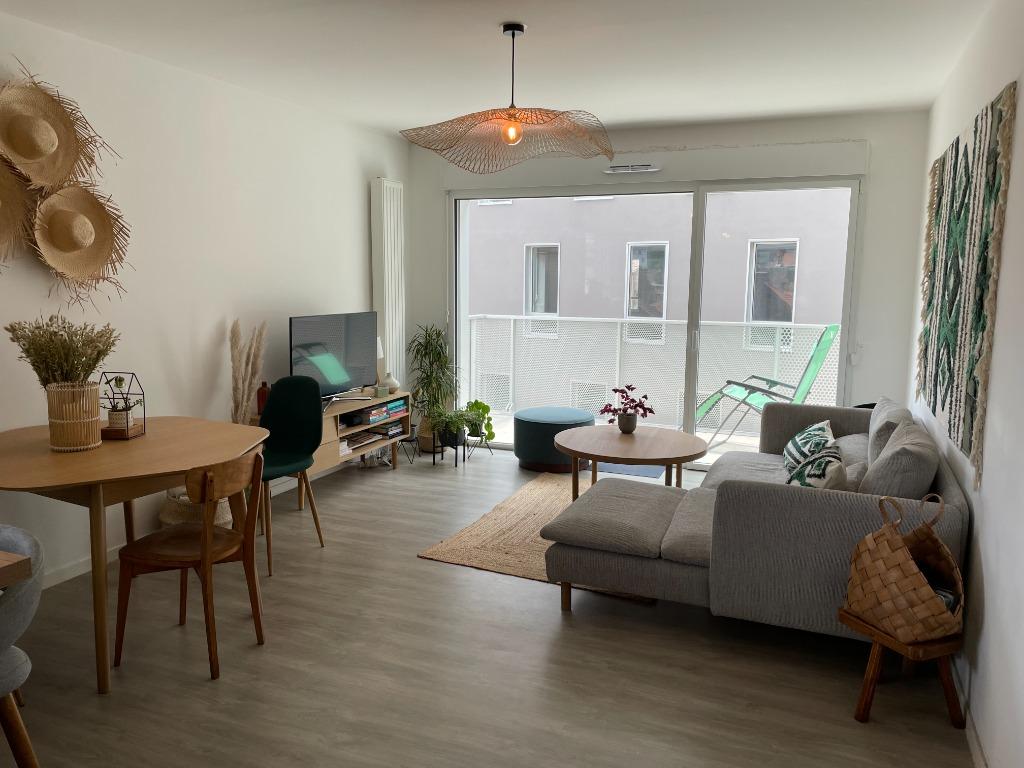 Vente appartement 59000 Lille - Superbe T4 balcon + parking