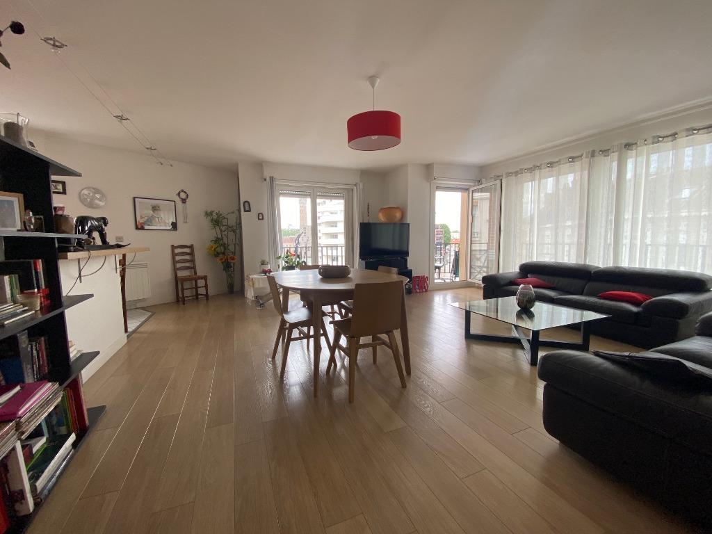 Vente appartement 59000 Lille - Hyper centre Type 4 avec Terrasse et garage