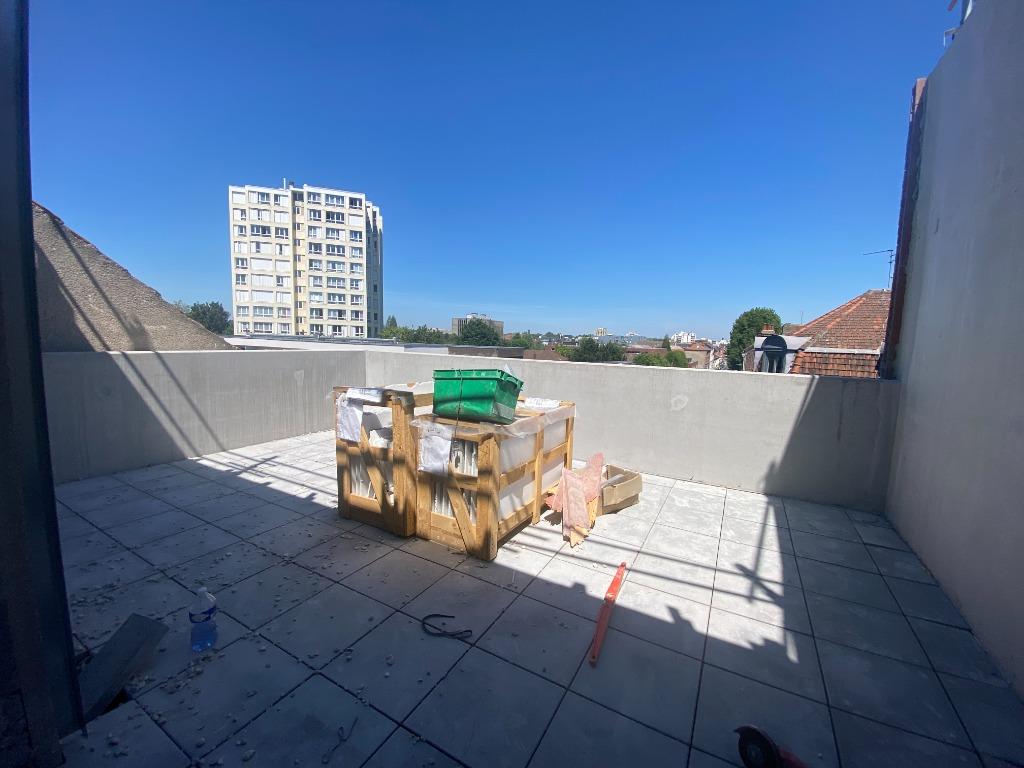 Vente appartement 59000 Lille - T4 de 98 m² avec terrasse et loggia