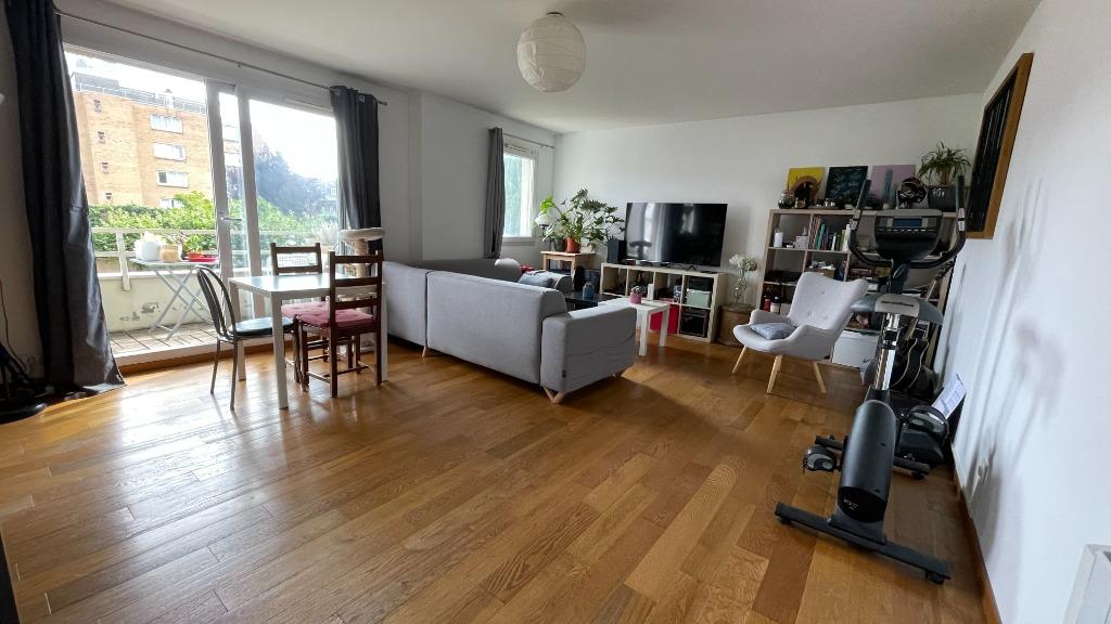 Vente appartement 59000 Lille - Type 4 avec balcon et parking
