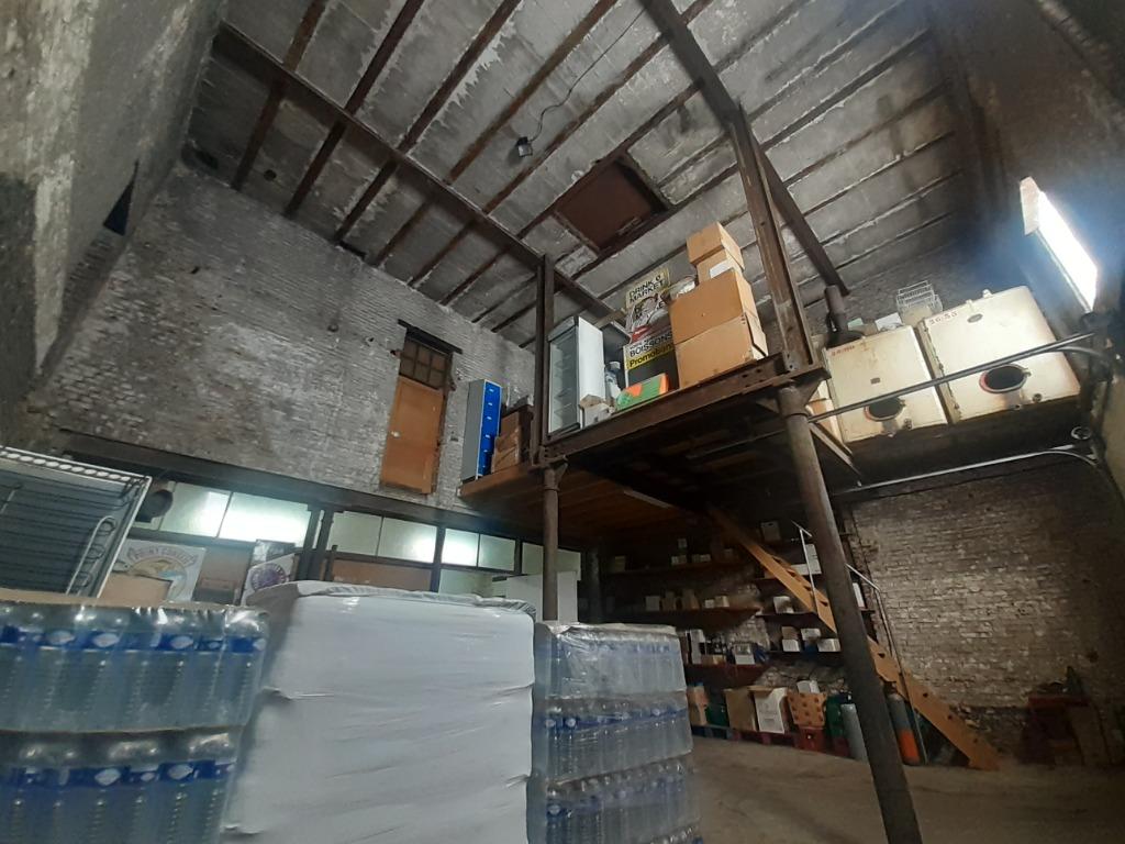 Ensemble Fond de Commerce/Murs/Habitation sur + de 3000m2