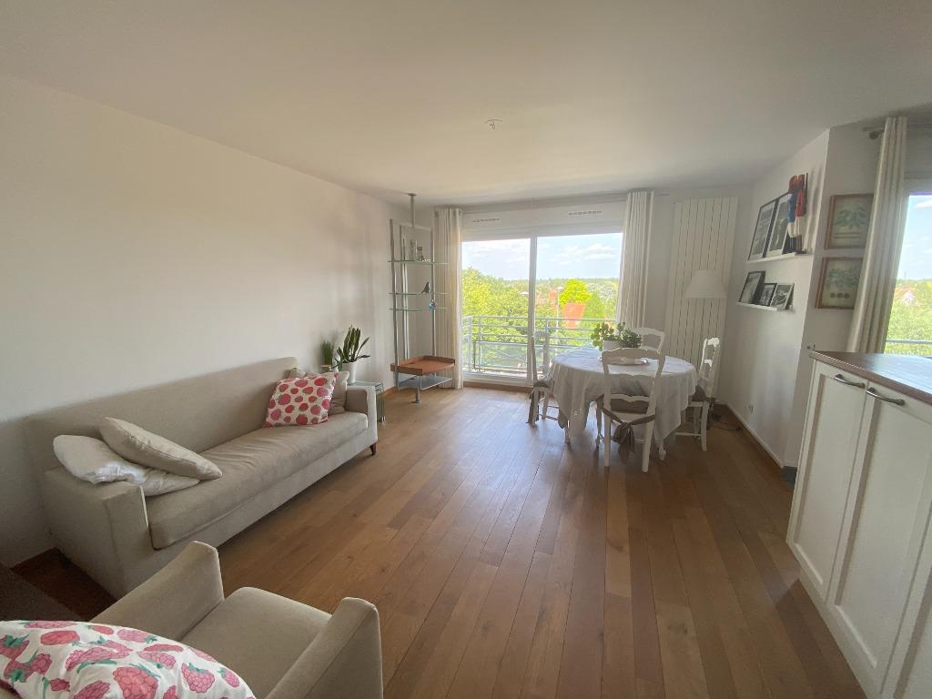 Vente appartement - Marcq-en-Baroeul, T3 avec balcons et garage.