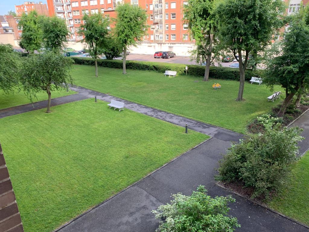 Vente appartement 59000 Lille - PROCHE VAUBAN -  Vaste Appartement T4 - Parking en sous-sol