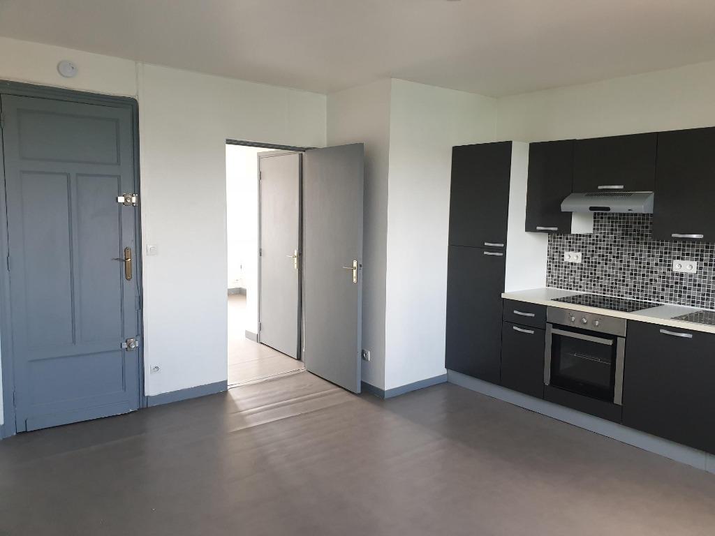 Vente immeuble 59000 Lille - Immeuble de rapport 134 m² avec garage