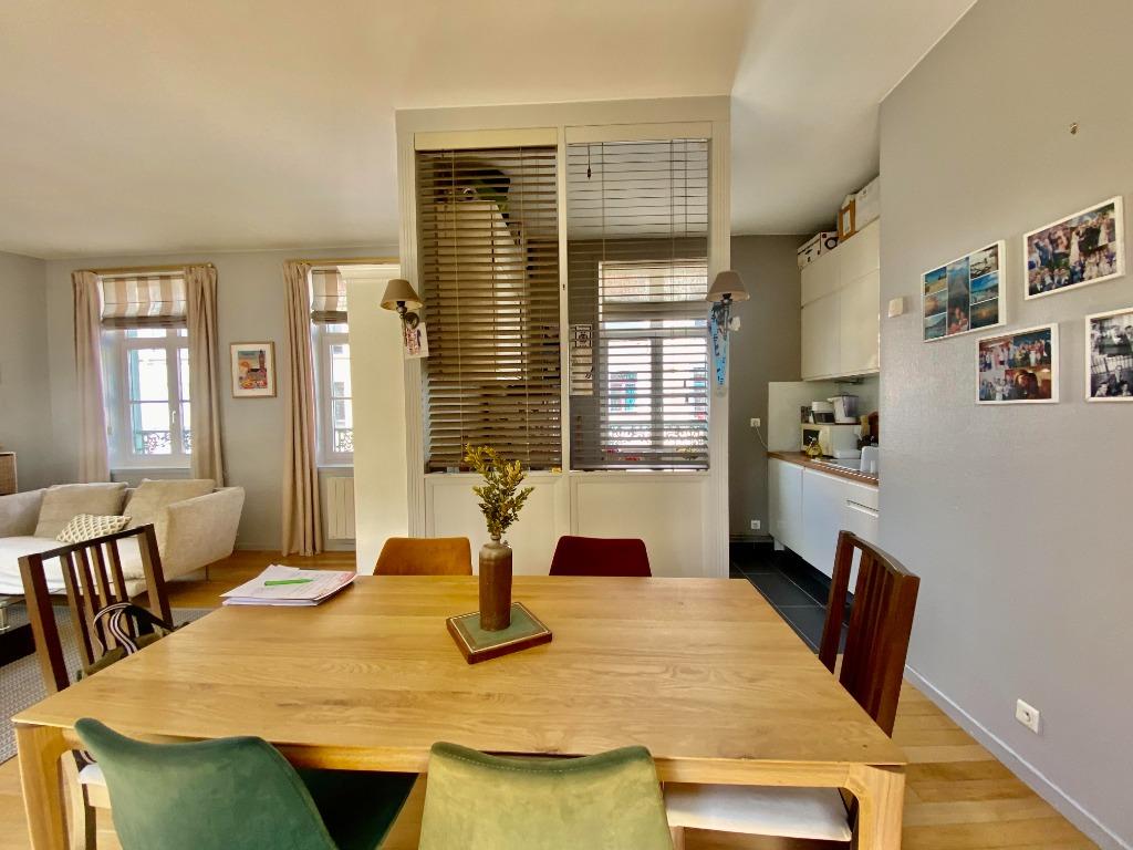 Vente appartement 59000 Lille - Appartement type 3bis - Stationnement