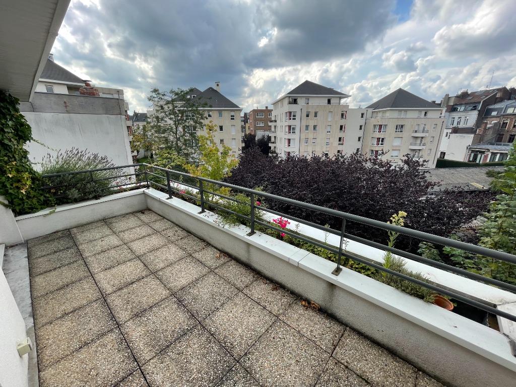 Location appartement - EXCEPTIONNEL DUPLEX - RÉPUBLIQUE - 95M2 TERRASSE - PARKING