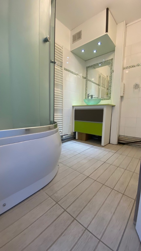 Bel appartement rénovée - 3 chambres -  jardin
