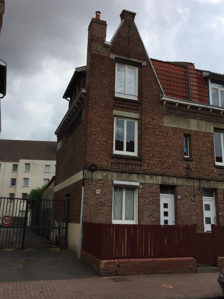 Vente maison 59000 Lille - Maison à usage d'immeuble - Proximité CHR ! Vendu loué