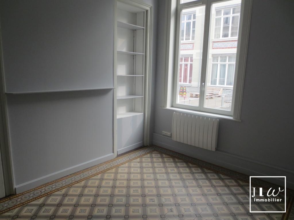 Lille République - 4 Pièces de 103m² non meublé