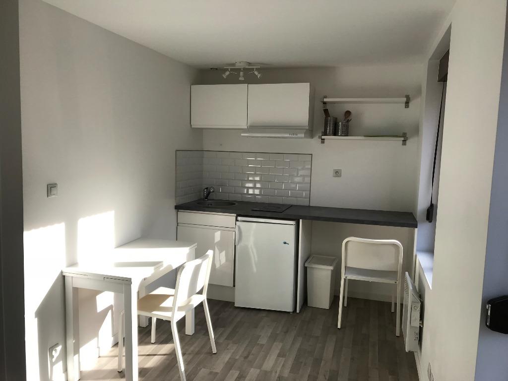 Location appartement 59000 Lille - APPARTEMENT meublé 18 m² LILLE Proximité métro