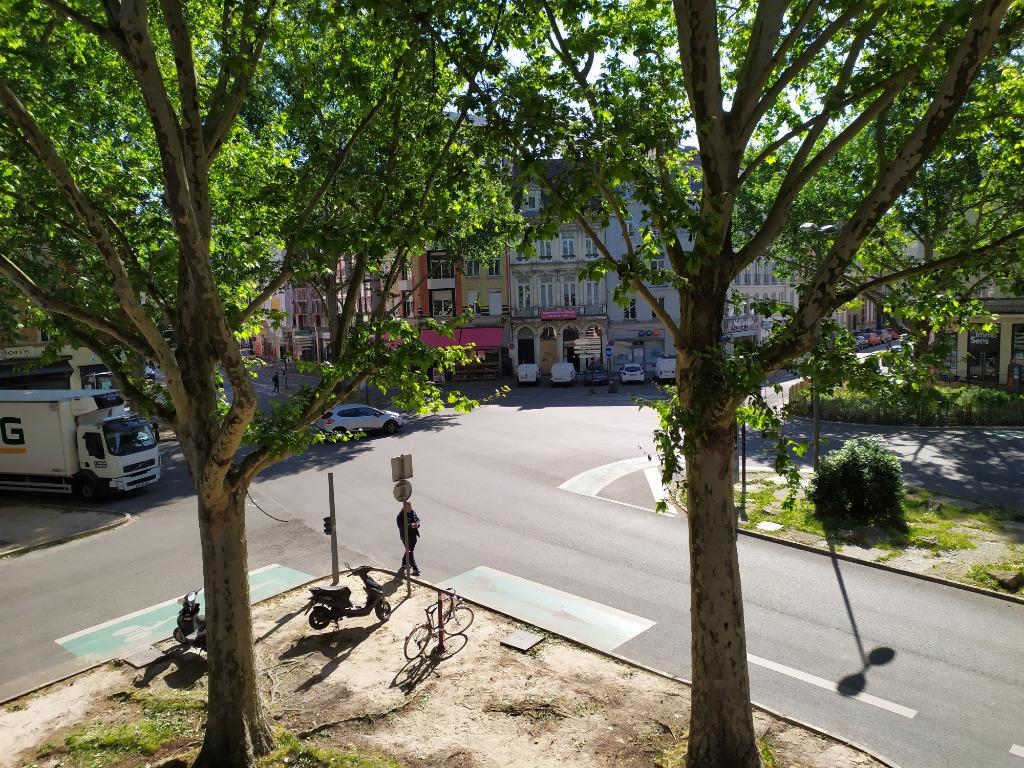 Place de strasbourg - Type 6 de 139,53m². PRET DE MEUBLES