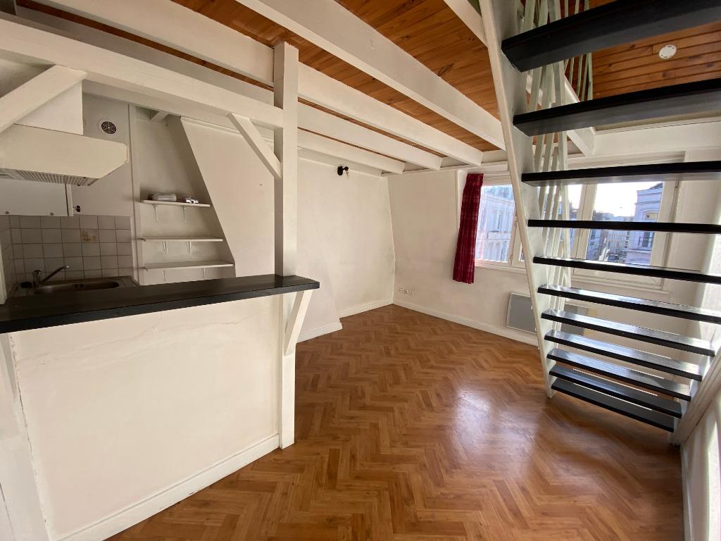 Lille Saint Michel - Studio en duplex non meublé de 21,01m²