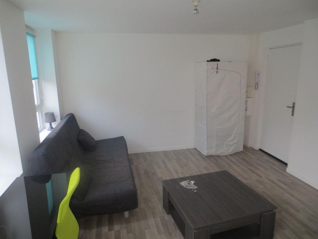 Location appartement 59000 Lille - Lille Gambetta - Studio prêt de meuble de 20,33m²