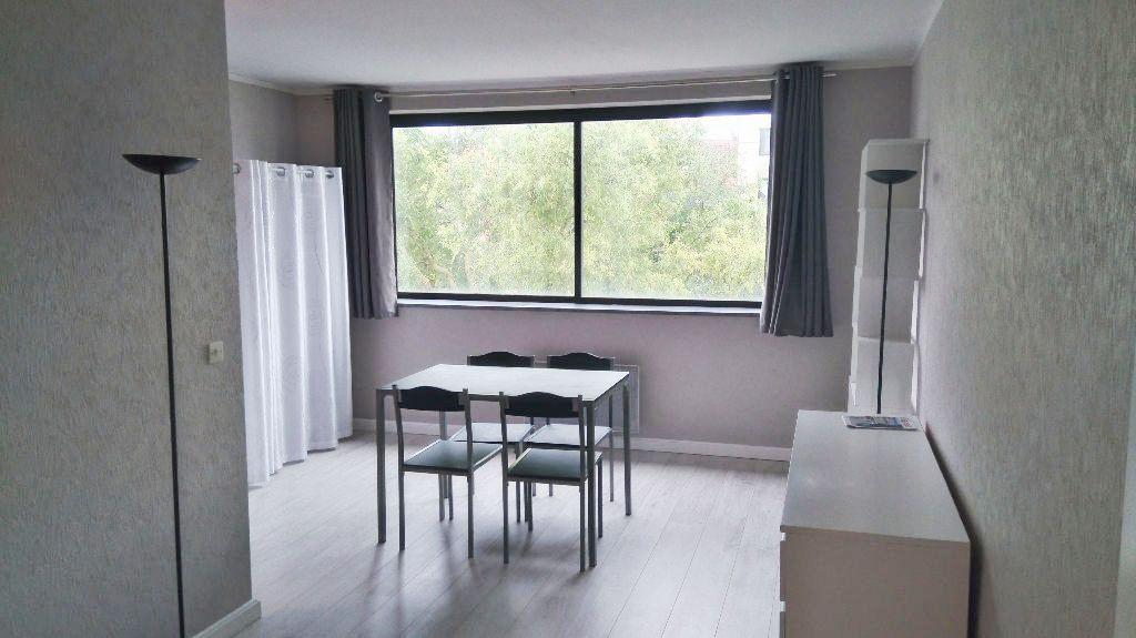 Location appartement 59000 Lille - Lille - St Maurice - Studio meublé de 28,83m² avec parking