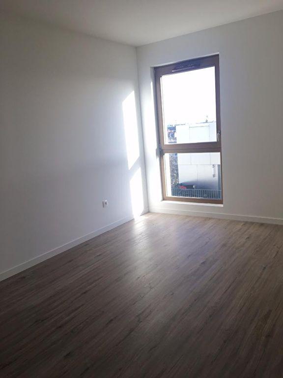 Appartement 3 pièces de 70m² - Non Meublé