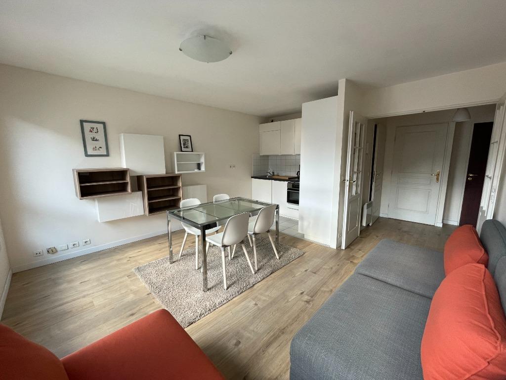 Location appartement 59000 Lille - Lille République - T2 meublé de 43,66m² avec parking